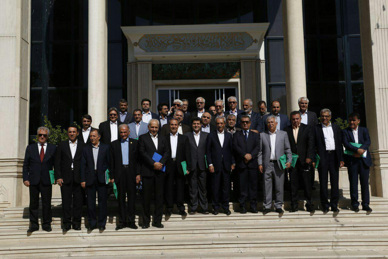 اولین نشست هیات نمایندگان اتاق ایران در دوره نهم به میزبانی مشهد مقدس برگزار شد
