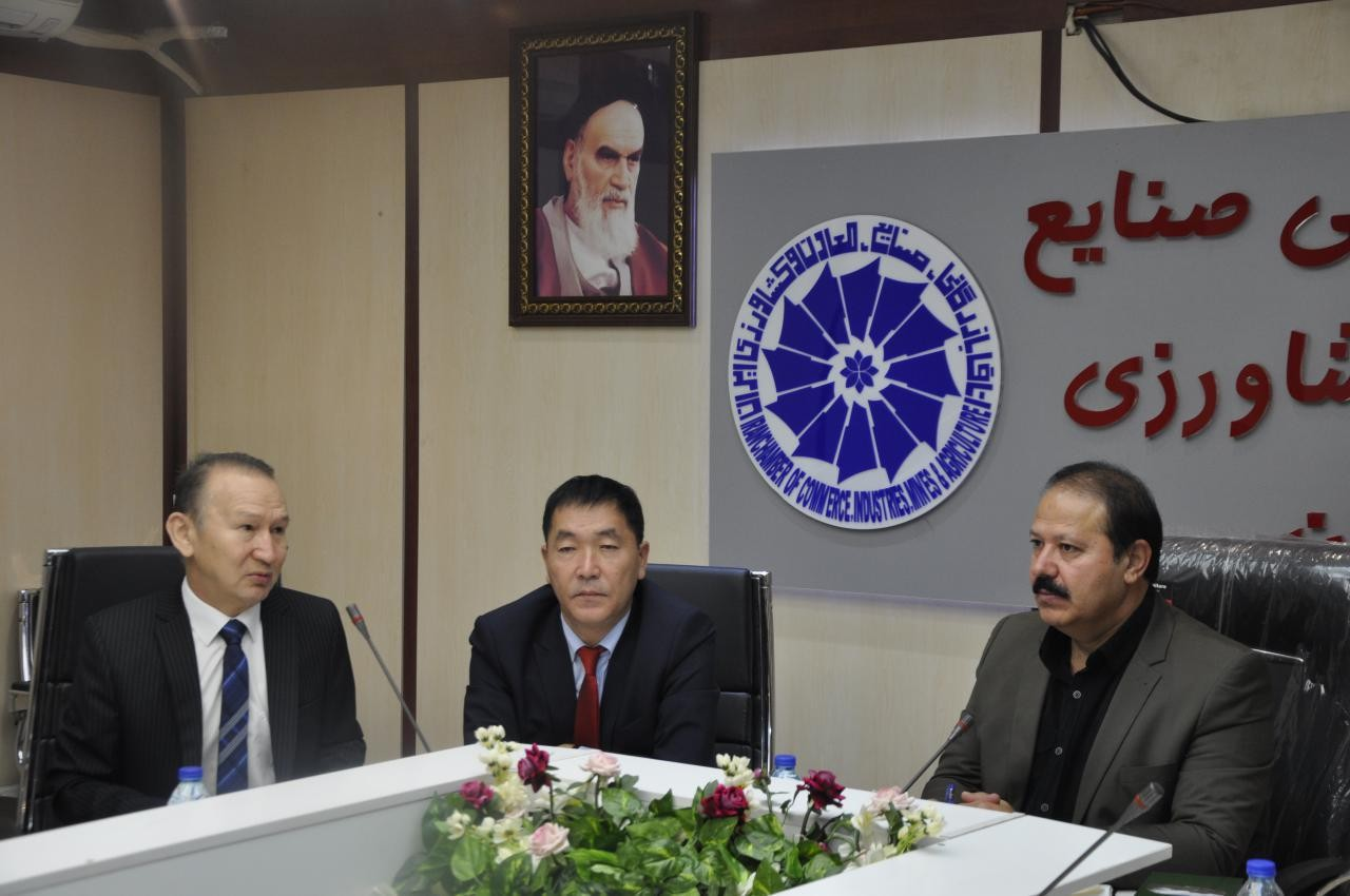 هیات تجاری قزاقستان با نایب رییس اتاق گرگان و برخی فعالین اقتصادی دیدار کردند