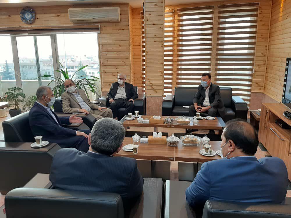 نشست  رییس اتاق گرگان با استاندار گلستان پیرو هم اندیشی جهت توسعه مراودات تجاری با کشور قزاقستان