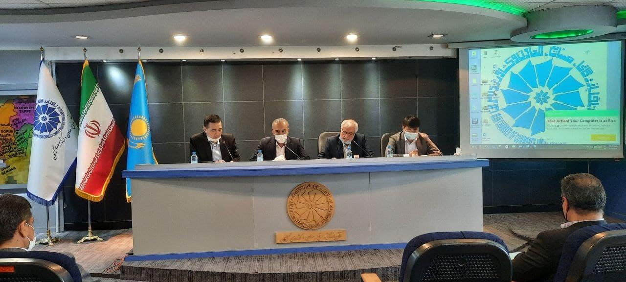 نشست هیات تجاری کشور قزاقستان با برخی فعالان اقتصادی استان گلستان در حوزه صنعت ساختمان.