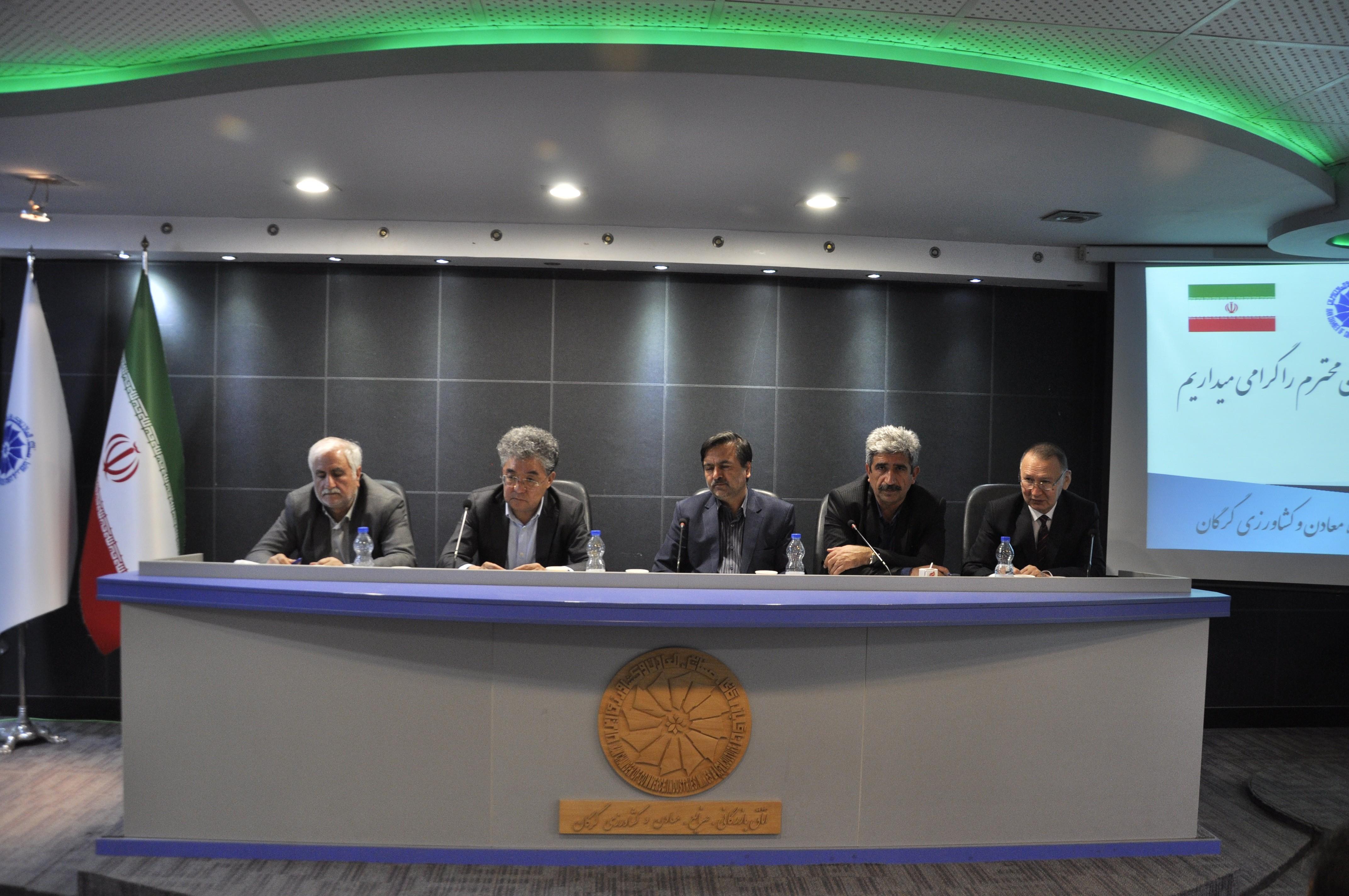 نشست سفیر قزاقستان با فعالین اقتصادی گلستان